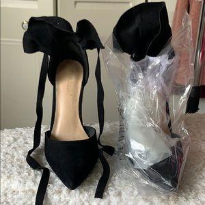Shoe Dazzle Shoes - Suede pumps